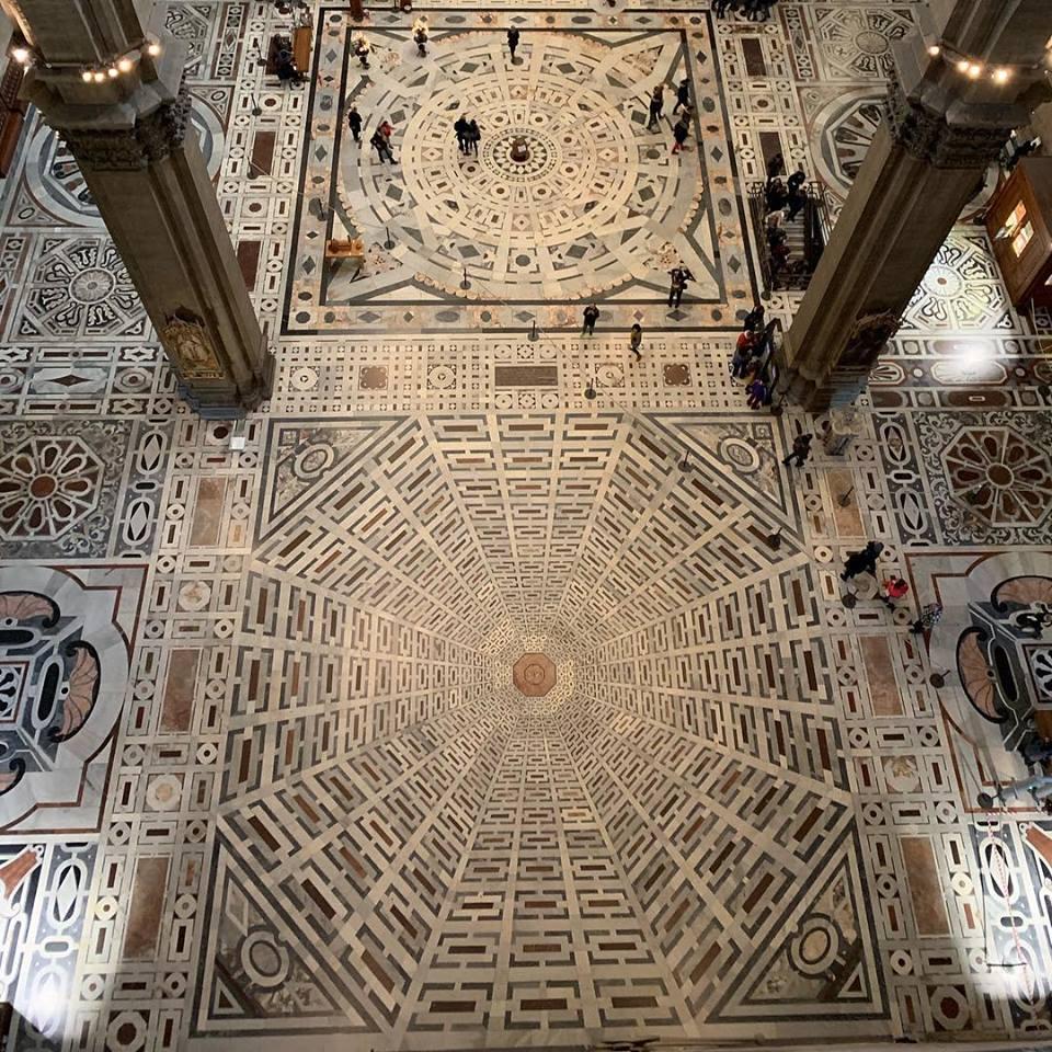 De vloer van de Duomo in Florence