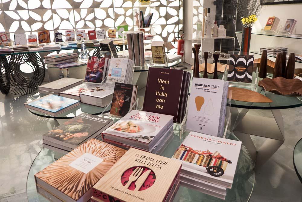 Interieur Inrichting Galerie : Shoppen in milaan design interieur boeken parliamo italiano