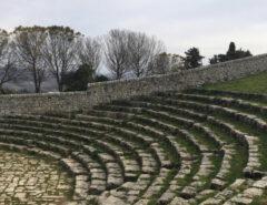 Het Griekse theater bij Palazzolo Acreide op Sicilië
