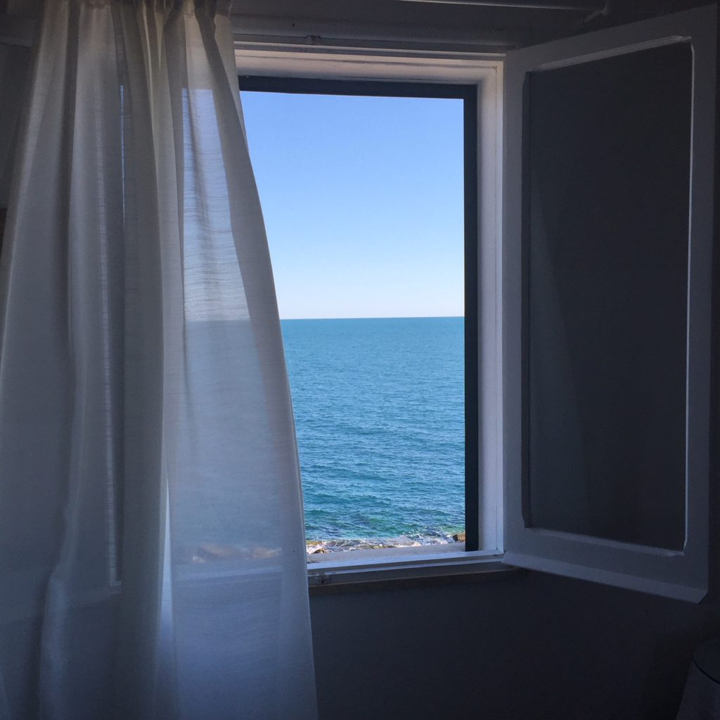 Kamer met zeezicht in bed & breakfast Punta Cutieri in Gallipoli, Puglia