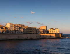 Het eilandje Ortigia in Siracusa, oostkant van Sicilië