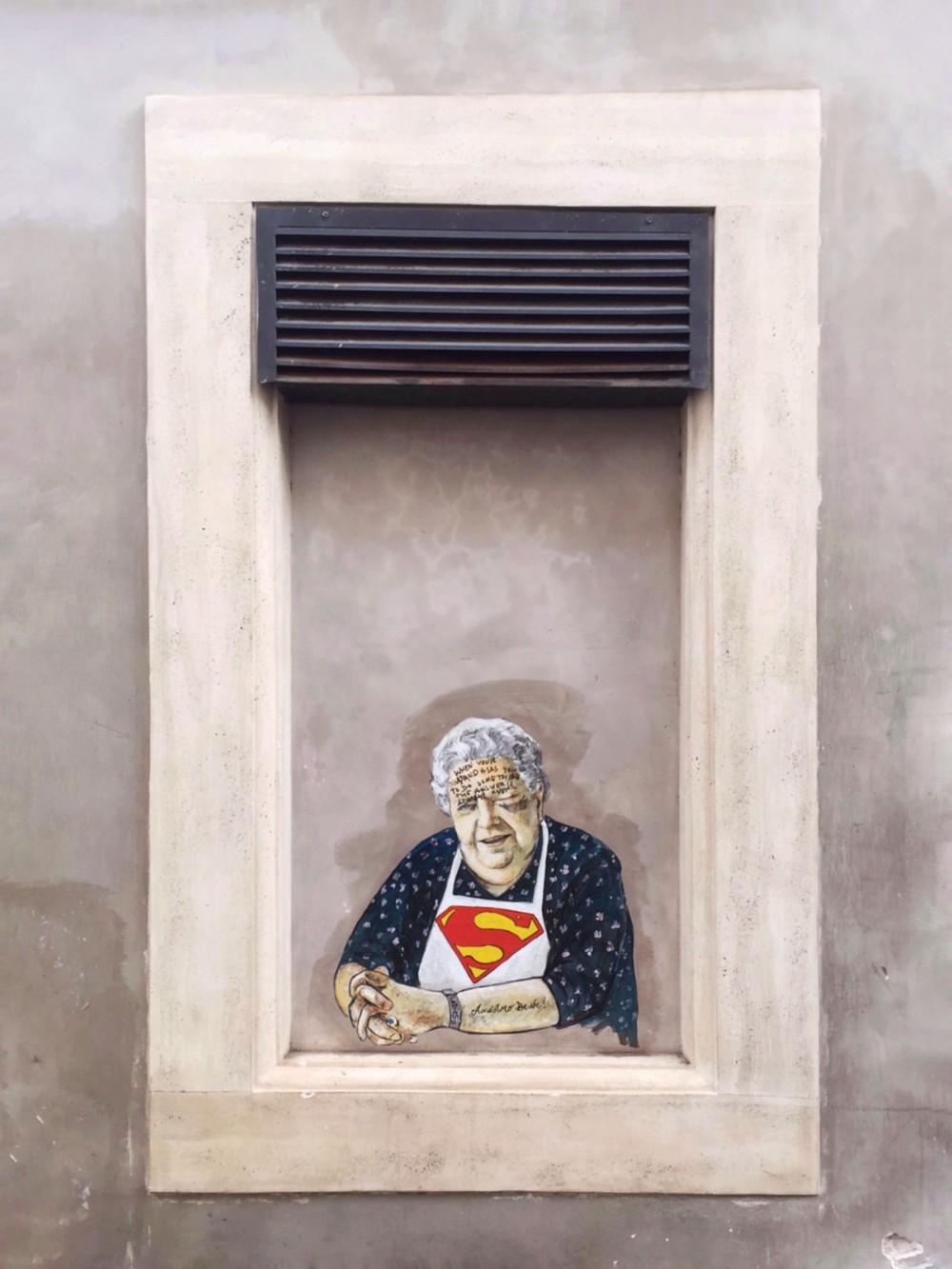 Superwoman Sora Lella