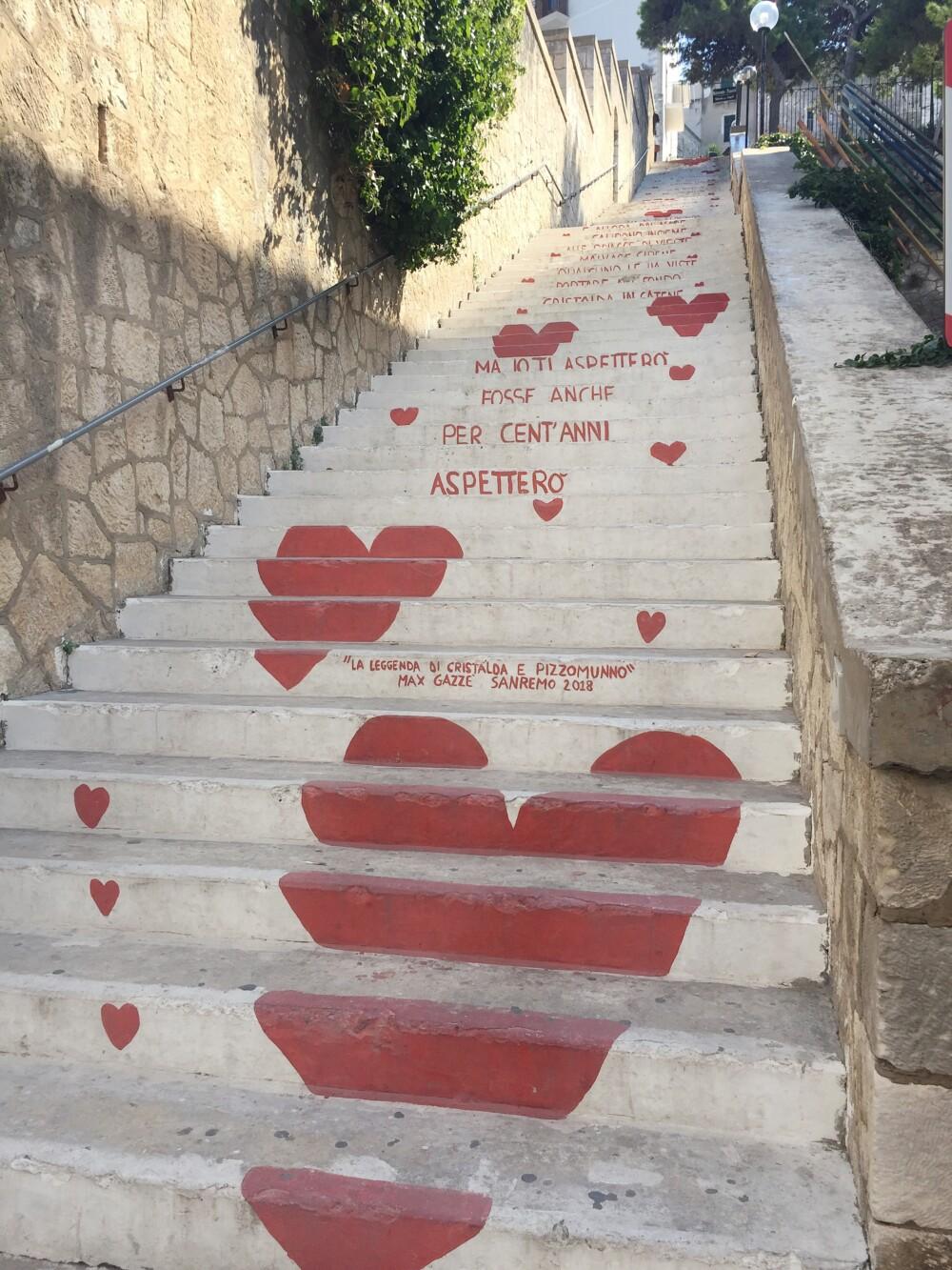 De trap van de liefde in Vieste, Puglia